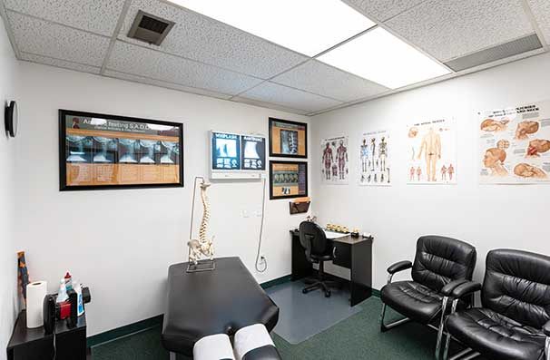 Chiropractic East Columbus OH Consultation Room