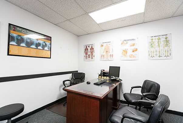 Chiropractic North Columbus OH Consultation Room