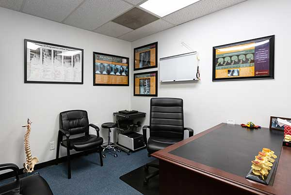 Chiropractic West Columbus OH Consultation Room