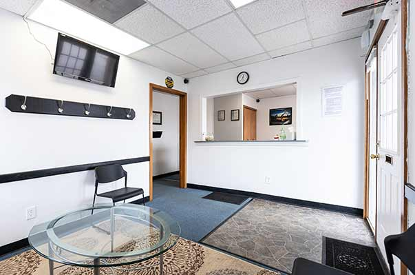 Chiropractic West Columbus OH Reception Area