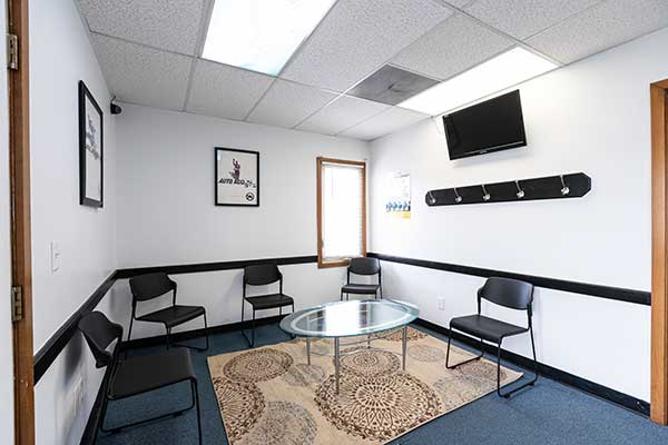 Chiropractic West Columbus OH Waiting Area